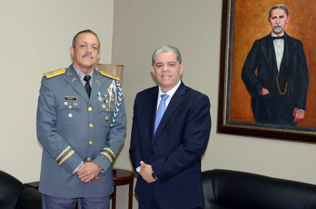 Interior y polic a record prohibici n de fuegos for Nombre del ministro de interior y policia